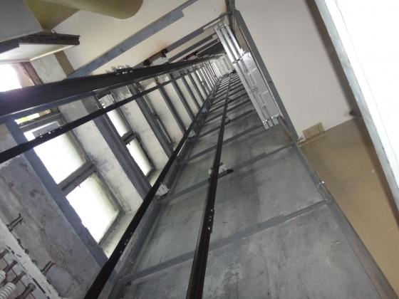 В многоэтажке в Сочи сорвался лифт с детьми