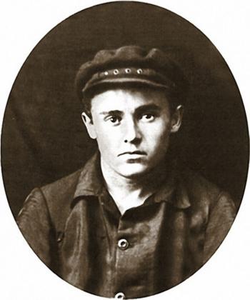 Сергей Королев на практике после окончания первого курса КПИ. Конотоп, лето 1925 г