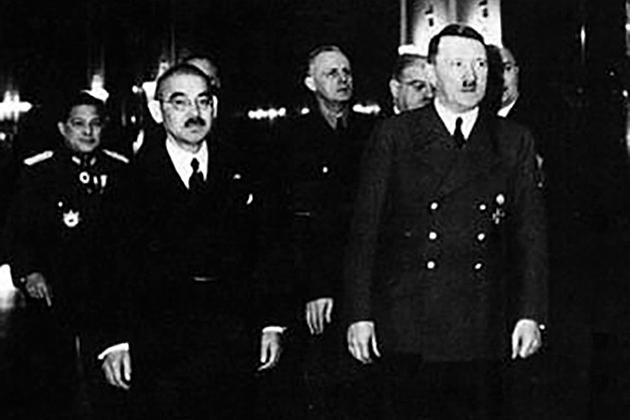 Ёсукэ Мацуока, Иоахим фон Риббентроп и Адольф Гитлер. Берлин, март 1941 года