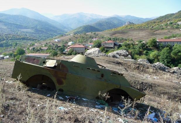 Остатки военной техники в Нагорном Карабахе