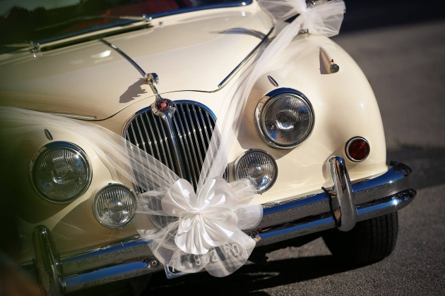 За свадьбы со стрельбой следует конфисковывать автомобиль – Жириновский