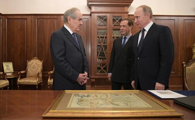 Путин подарил Шаймиеву карту Тартарии: в Татарии ищут «смыслы»