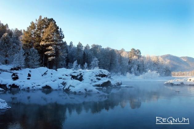 Горный Алтай. Голубое озеро, которому уже более 25 тыс. лет
