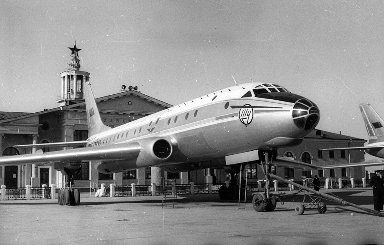 Ту-104А, бортовой номер СССР-42332, 1964 год. За 17 лет до крушения.