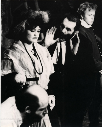 «Мамаша Кураж» в 1982