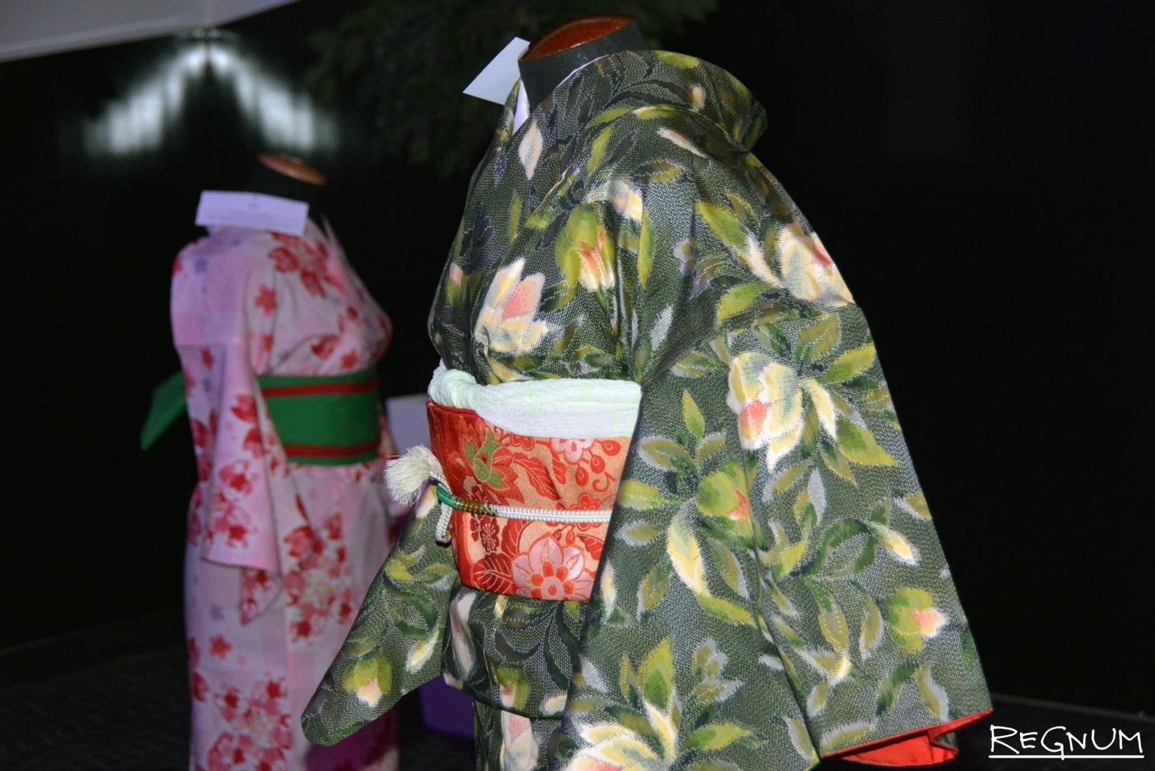 В Воронеже Фестиваль японского кино начался с выставки традиционной японской одежды