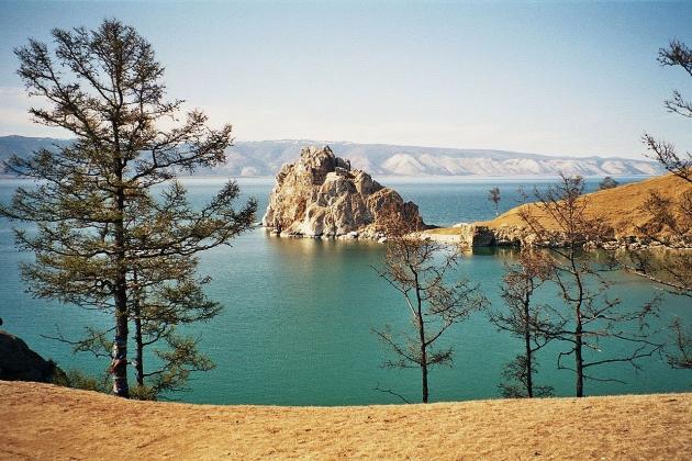 «Точно не до шуток»: врио главы Бурятии об обмелении Байкала