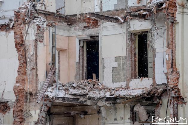 Степашин: Жилье 800 тыс. человек признано аварийным