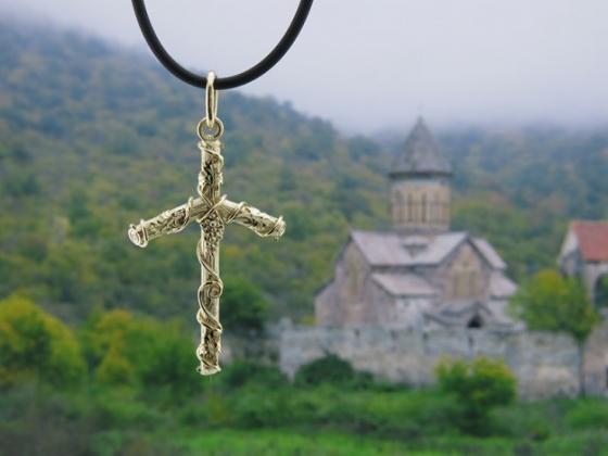 Грузия: Маскарад вокруг церкви