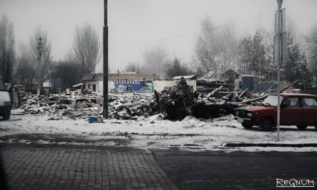 Донецк. Район автостанции «Мотель», последствия обстрела реактивными системами залпового огня «Ураган» 3 февраля 2017 года