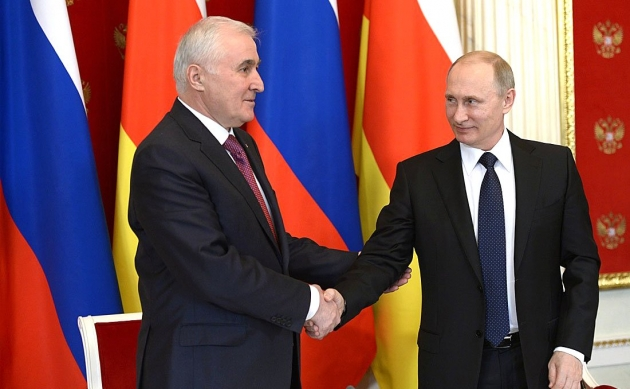 Леонид Тибилов, Владимир Путин