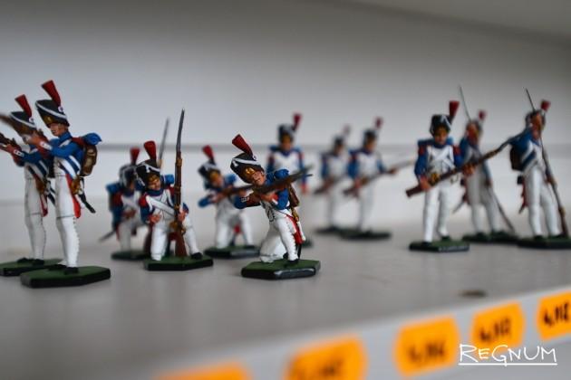 Оловянные солдатики с петербургской выправкой дошли до Америки