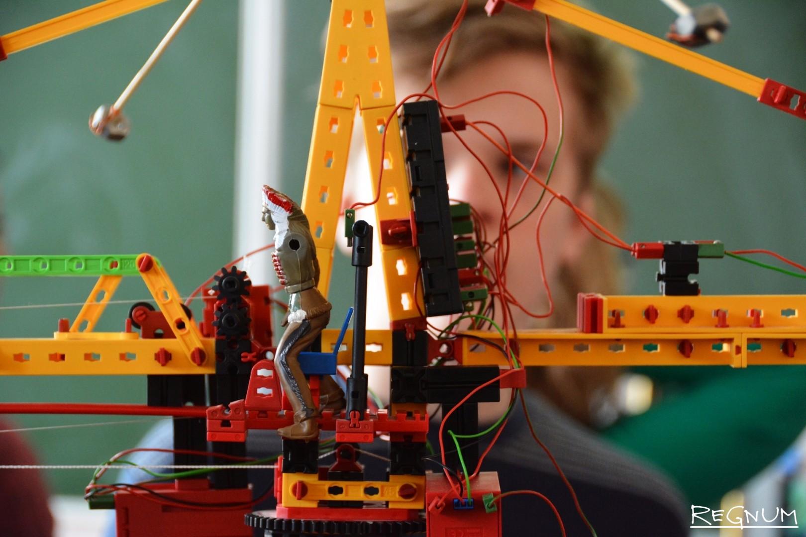 Открытый межрегиональный робототехнический фестиваль «РОБОАРТ 2017» в Воронежском государственном университете