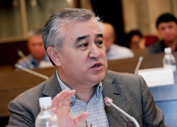 В Киргизии оппозиция выдвинула кандидата в президенты. Арестованного