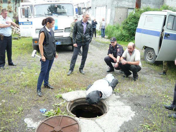 Наталья Калинина на месте преступления, следственный эксперимент