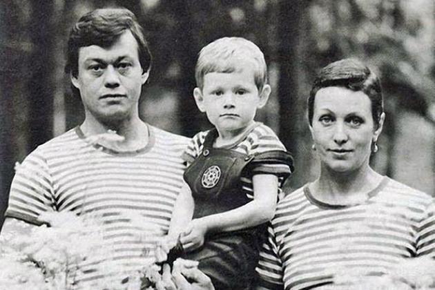 СМИ: Жену Караченцова могут лишить водительских прав