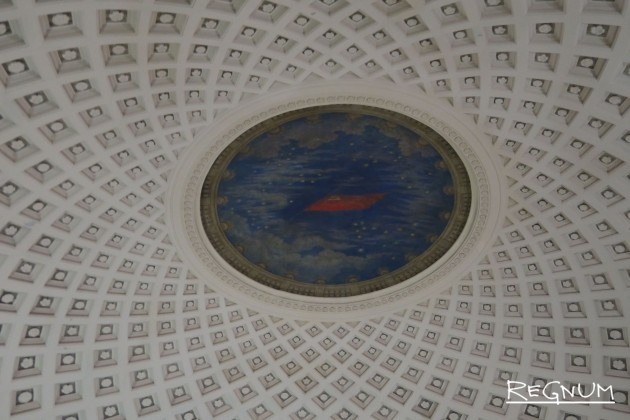 А. К. Ширяева. Панно «Салют Победы». Станция метро «Таганская Кольцевая»