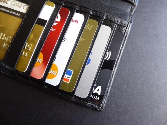 В России растет число платежей по банковским картам