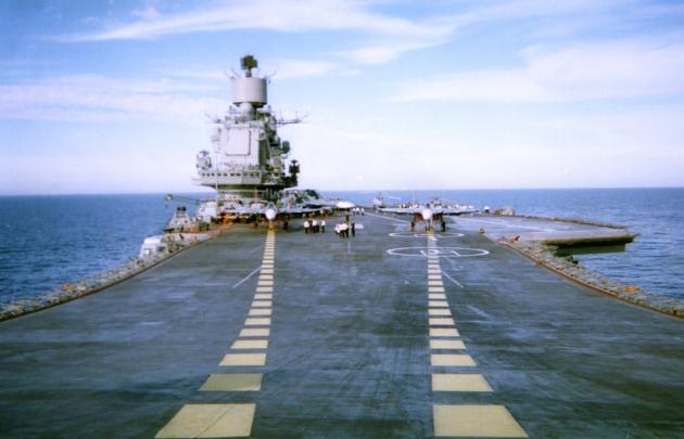 Авианосец «Адмирал Кузнецов» планируют оснастить новыми системами ПВО и ПРО