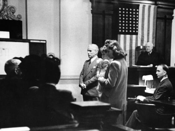 Чаплин на суде
