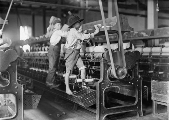 Дети-рабочие на мануфактуре в США. XIX век