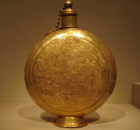 Китайские археологи добыли более 30 тысяч артефактов династии Мин