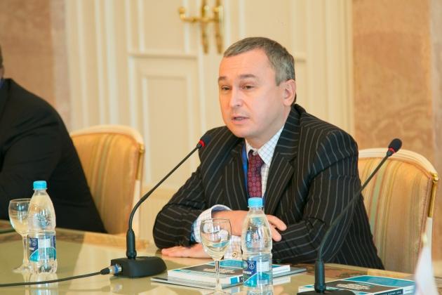 Медведев назначил нового замминистра культуры после ареста Пирумова