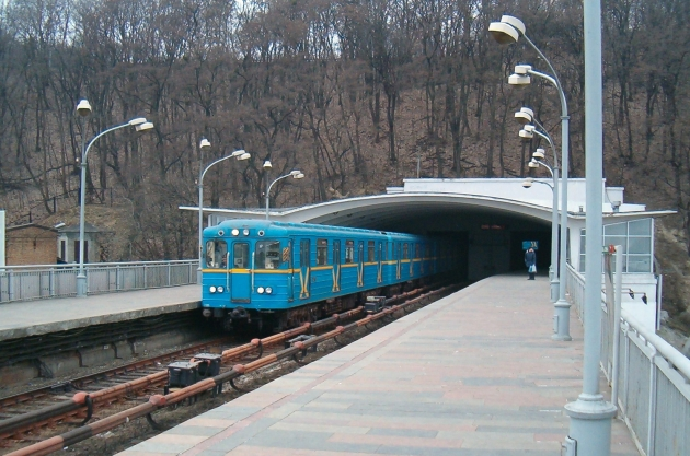 Из-за долгов метро в Киеве могут остановить