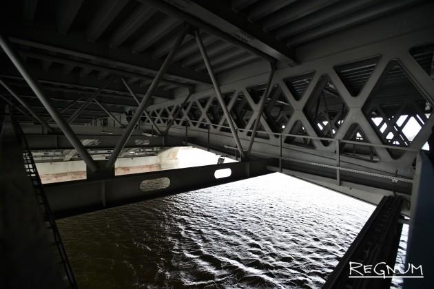 Разводной пролет Благовещенского моста
