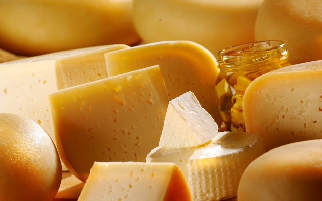 Пять марок белорусского сыра попали в России под запрет