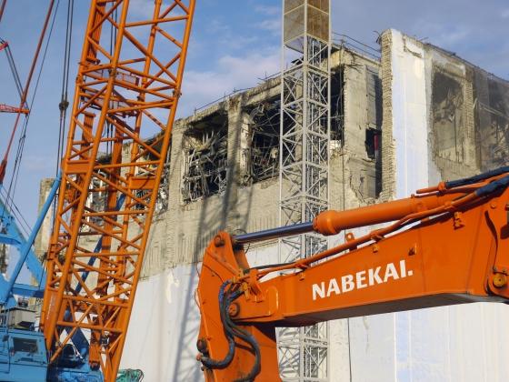 Разрушенный 4-й энергоблок АЭС «Фукусима-1». 27 мая 2011 года