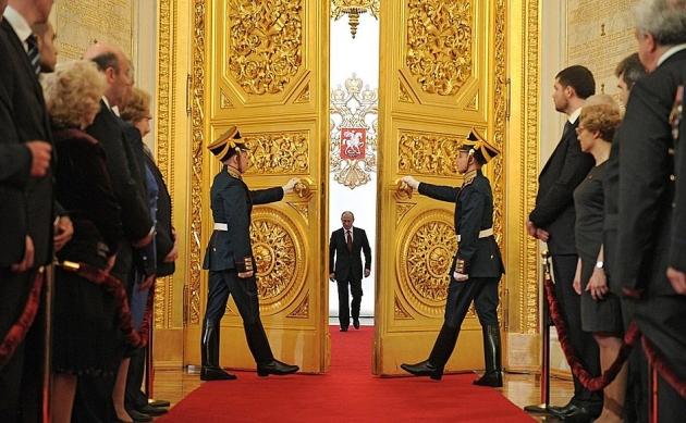 Киссинджер: «Путин хочет восстановить достоинство своей страны»