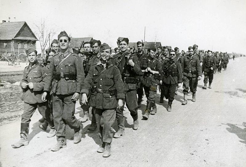 Солдаты испанской «Голубой дивизии» в СССР. 30 апреля 1942