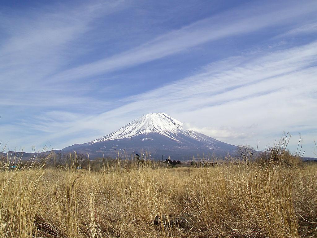 Вулкан Фудзи — наиболее известный объект на острове Хонсю и во всей Японии