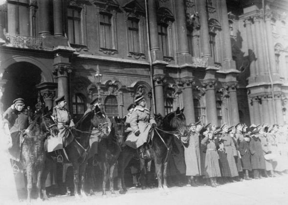 19 марта 1917 года. Генерал Л.Г.Корнилов принимает парад курсантов