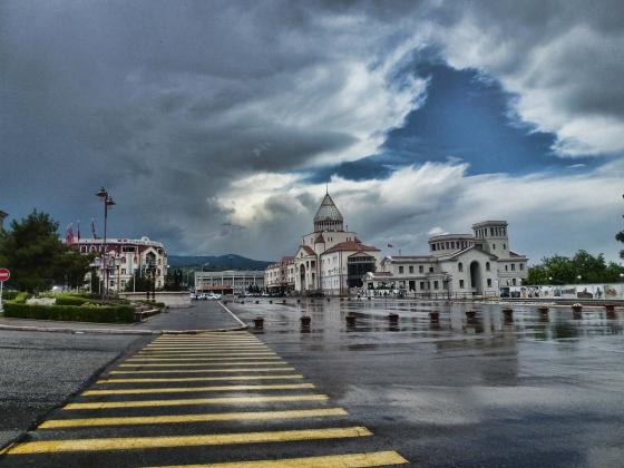 Станислав Тарасов: Армения дрейфует в сторону демократии. А куда Азербайджан?