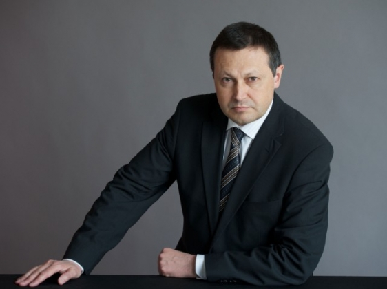 Эдхам Акбулатов