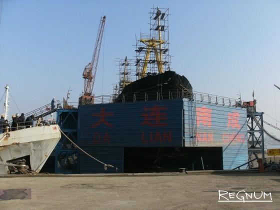 Два экипажа на одном судне: моряки не сходят на берег, ждут зарплату
