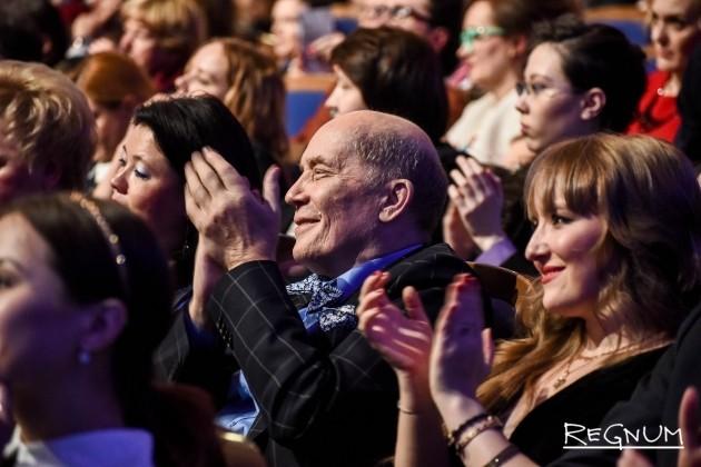 Александр Филиппенко на церемонии вручения премии «Золотая маска»