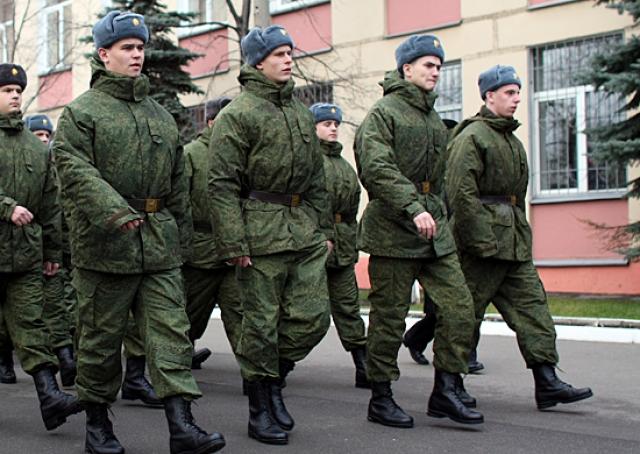 Неуставные отношения в армии сократились на 37,6% — Шойгу