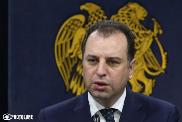 Решение и усложнение проблем: Ереван прокомментировал назначение Хачатурова