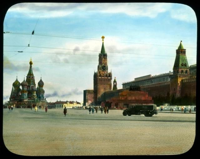 Мавзолей на Красной площади в 1931 г