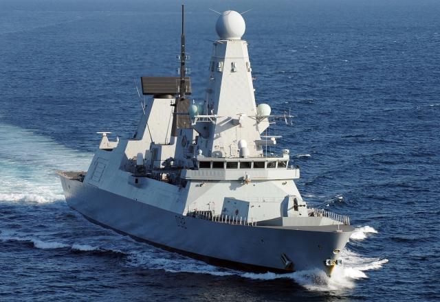 «Британия послала в Черное море корабль, как сигнал Кремлю»