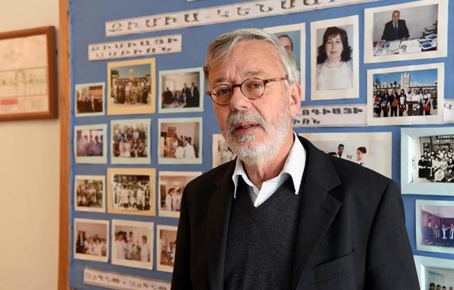 Голландский профессор будет учить переговорам студентов Арцаха