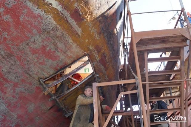 Замена наружной обшивки корпуса корабля