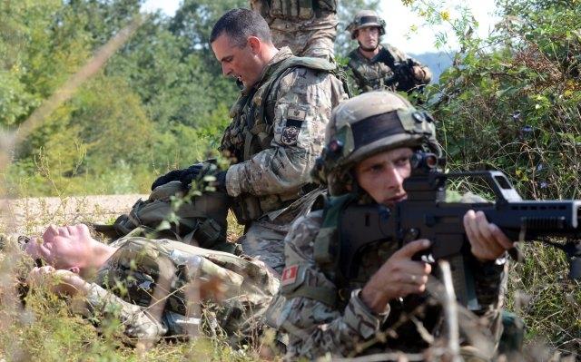 Черногорские солдаты на совместных учениях с американцами