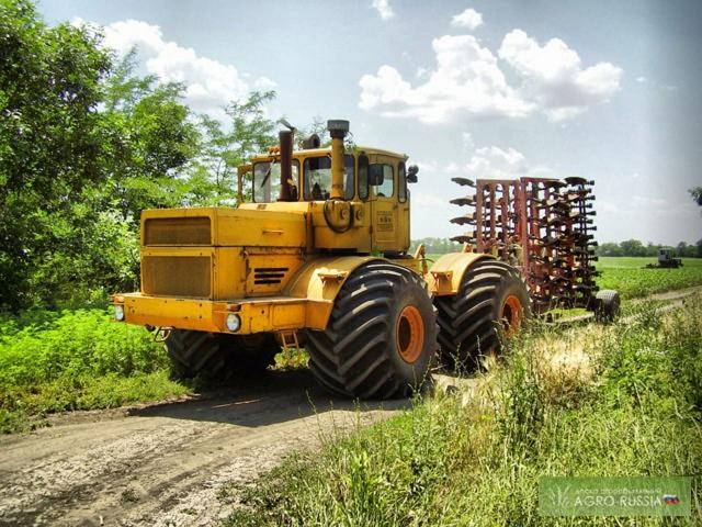 Рис. 4. Трактор К-701 на широкопрофильных шинах