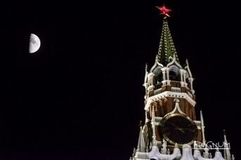 Луна над Спасской башней