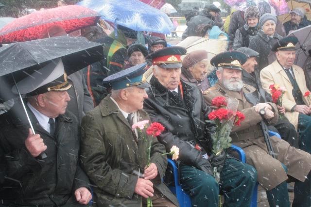Шествие «Бессмертного полка» в Костроме объединило более 10 тысяч человек