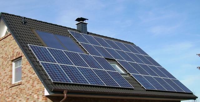 Tesla начнет принимать предзаказы на солнечные батареи нового типа